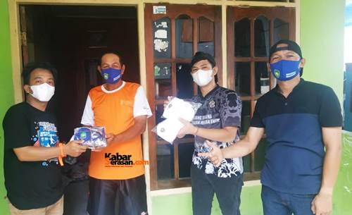Karang Taruna Kelurahan Muara Enim Bagi-bagi Masker